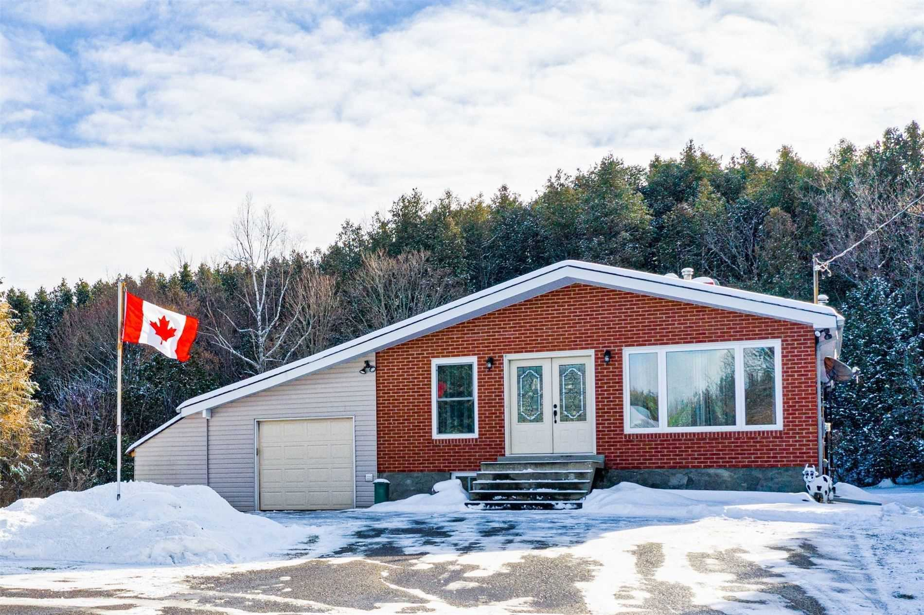 pictures of house for sale MLS: X4649012 located at 15 Cedar Lane, Mono L9W6C8