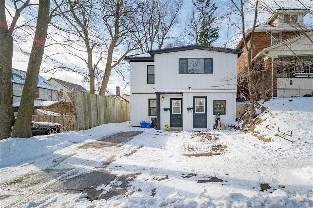pictures of house for sale MLS: X4651379 located at 57 Chestnut St, Kitchener N2H1T7