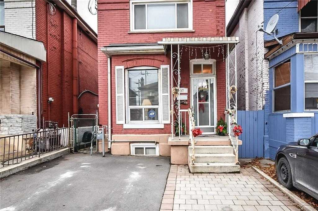 pictures of house for sale MLS: X4652898 located at 37 Fullerton Ave, Hamilton L8L6G9