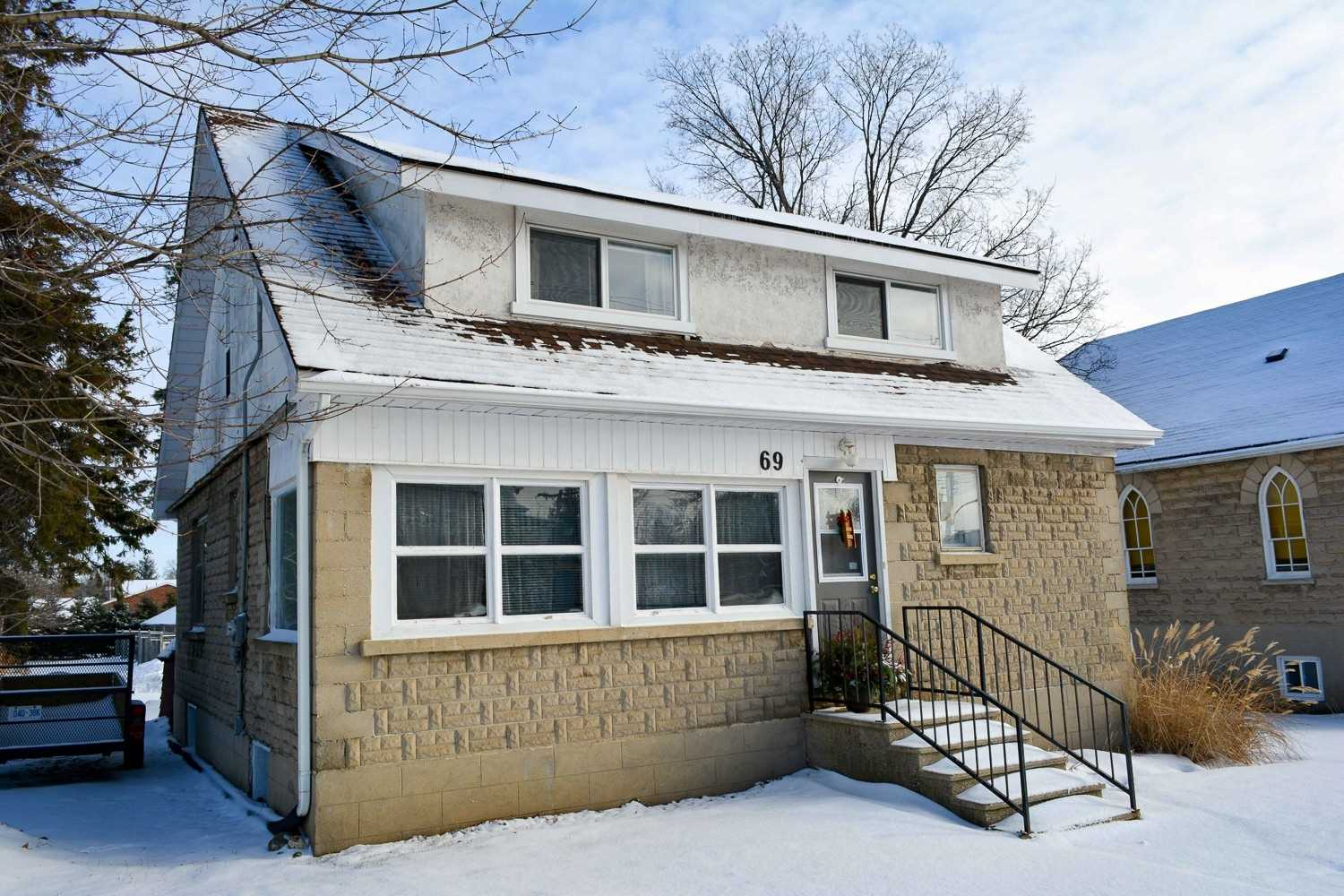 pictures of house for sale MLS: X4656384 located at 69  Toronto St N, Grey Highlands N0C1H0