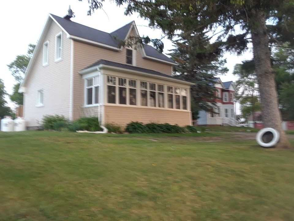 pictures of house for sale MLS: X4659642 located at 592 Highway 21 Pkwy, Huron-Kinloss N0G2R0