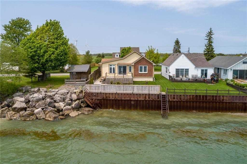 pictures of house for sale MLS: X4659713 located at 11855 Lakeshore Rd, Wainfleet L0S1V0