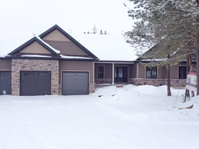 pictures of house for sale MLS: X4661023 located at 30 Church St, Melancthon L9V2G1