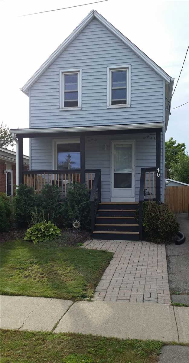 pictures of house for sale MLS: X4677293 located at 40 Santone Ave, Welland L3C2J4