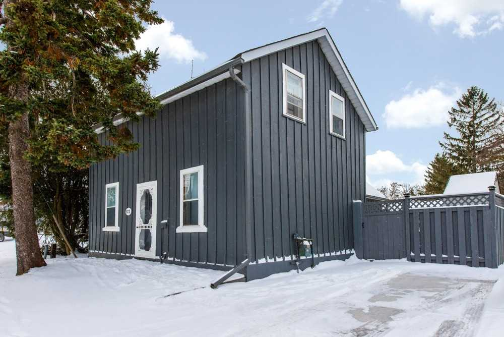 pictures of house for sale MLS: X4679634 located at 122 Adeline St, Shelburne L9V3J8