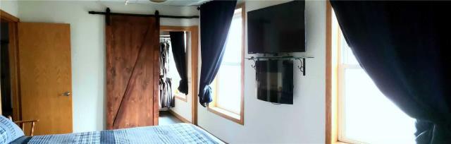 Image 3 of 20 showing inside of 3 Bedroom Detached 2-Storey house for sale at 31962 Clarendon St W, Wainfleet L0S1V0