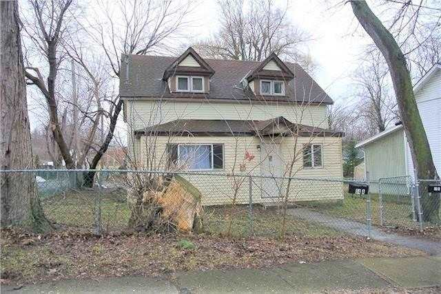 pictures of house for sale MLS: X4684596 located at 54 Archange St, Fort Erie L2A3K7