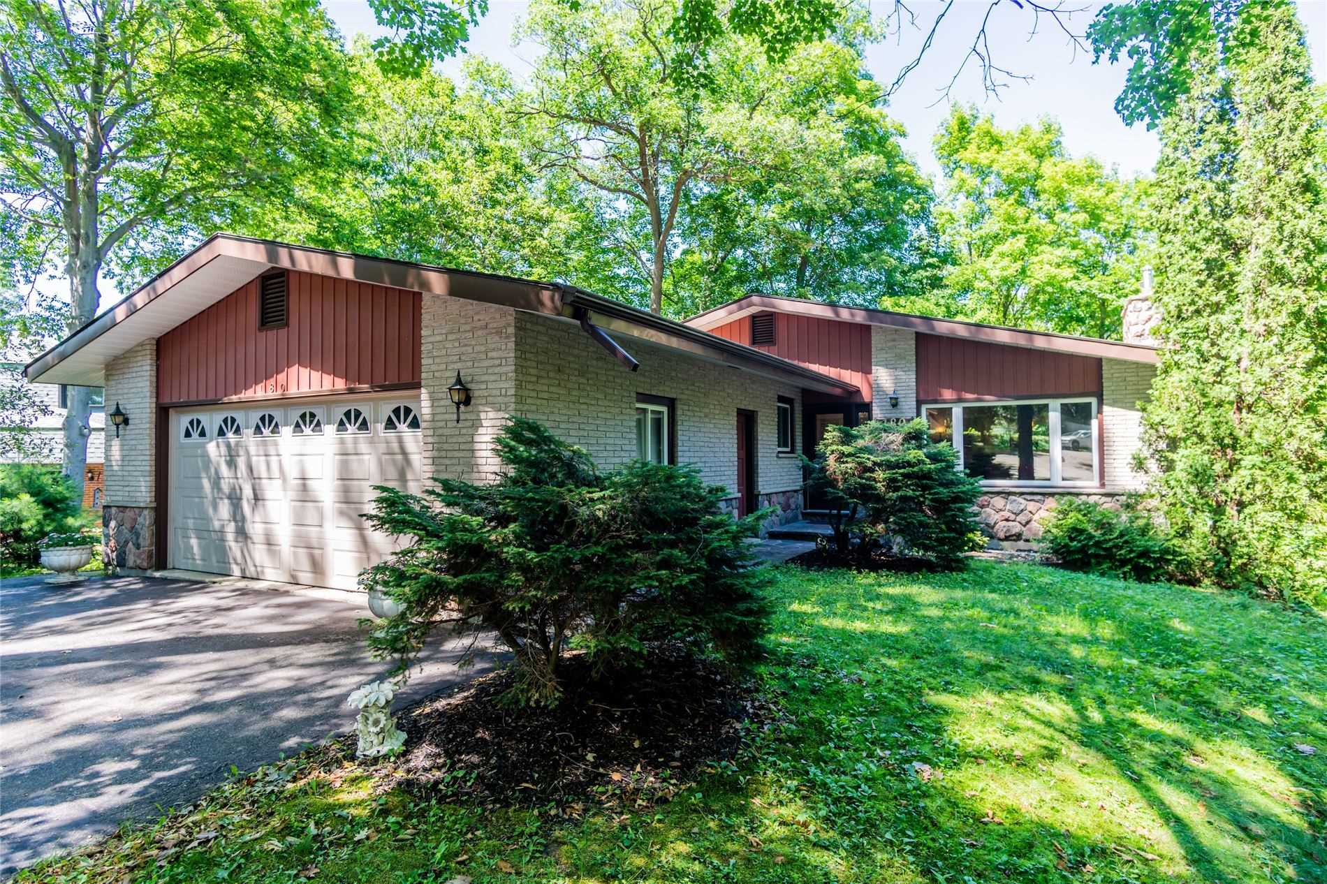 pictures of house for sale MLS: X4684687 located at 180 Clairmont Rd, Gravenhurst P1P1H9