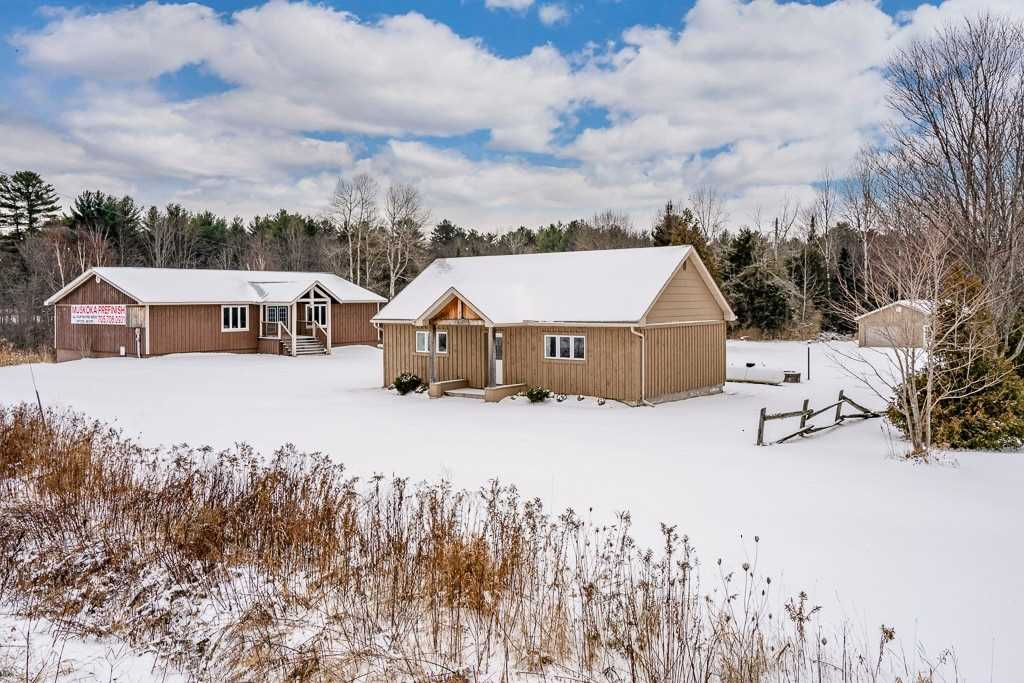 pictures of house for sale MLS: X4686040 located at 1301 Highway 11 S, Gravenhurst P0E1G0