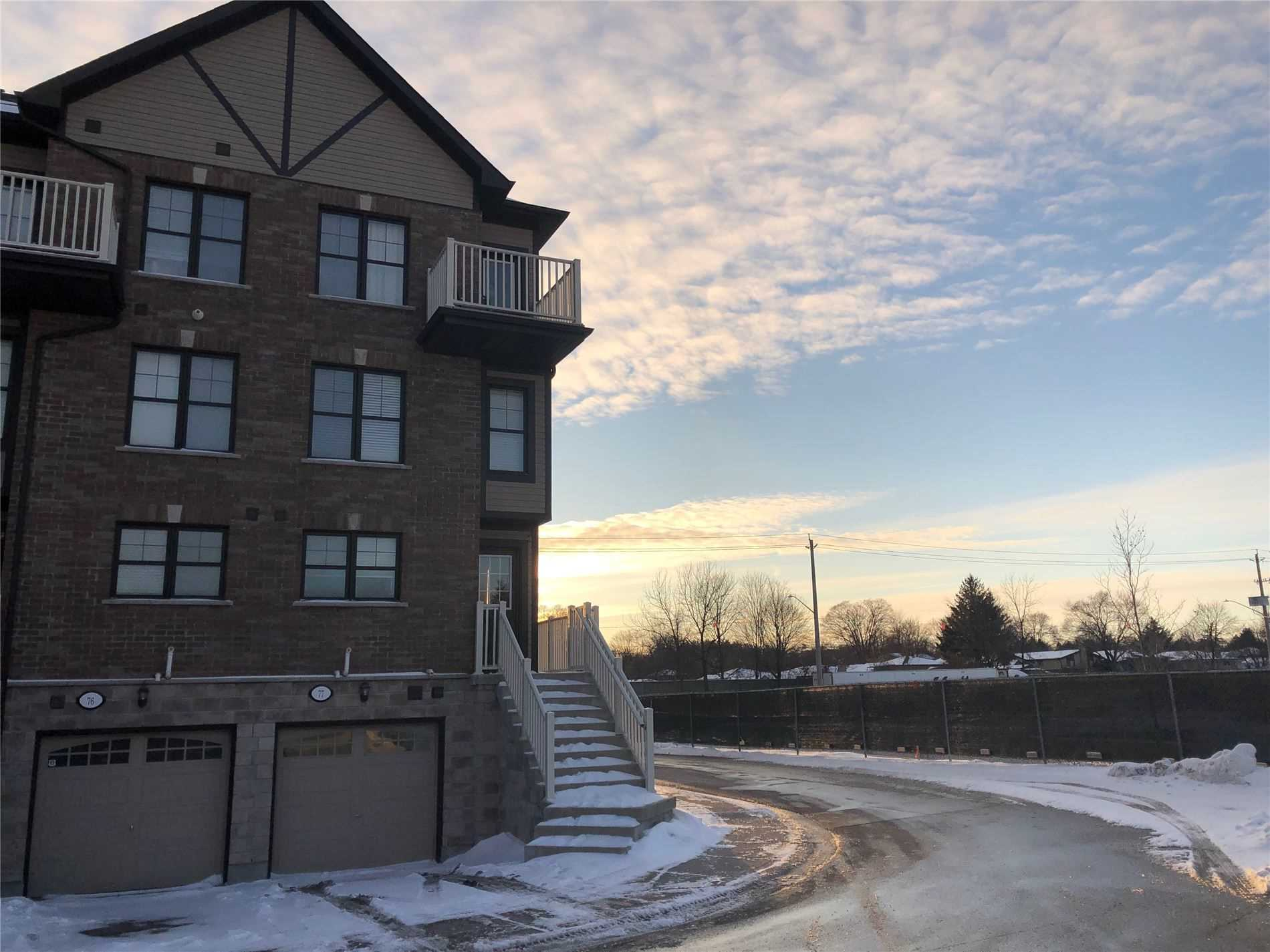 pictures of house for sale MLS: X4687617 located at 701 Homer Watson Blvd, Kitchener N2C0B5