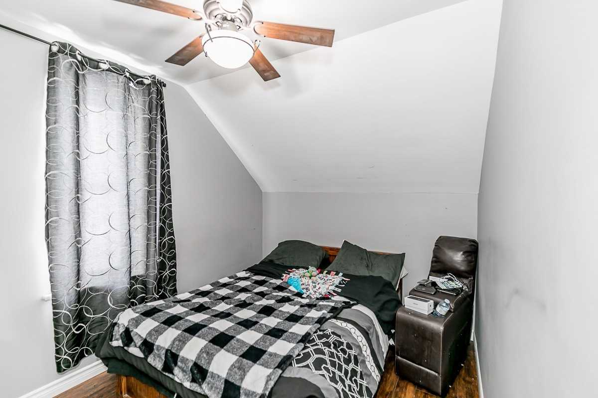 Image 2 of 14 showing inside of 3 Bedroom Detached 1 1/2 Storey house for sale at 9094 Hwy #6 Rd, Wellington North N0G2E0