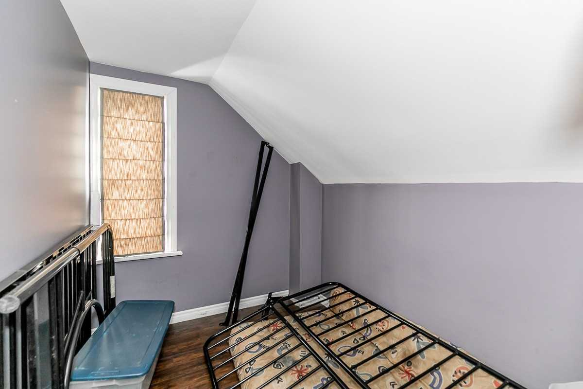 Image 4 of 14 showing inside of 3 Bedroom Detached 1 1/2 Storey house for sale at 9094 Hwy #6 Rd, Wellington North N0G2E0