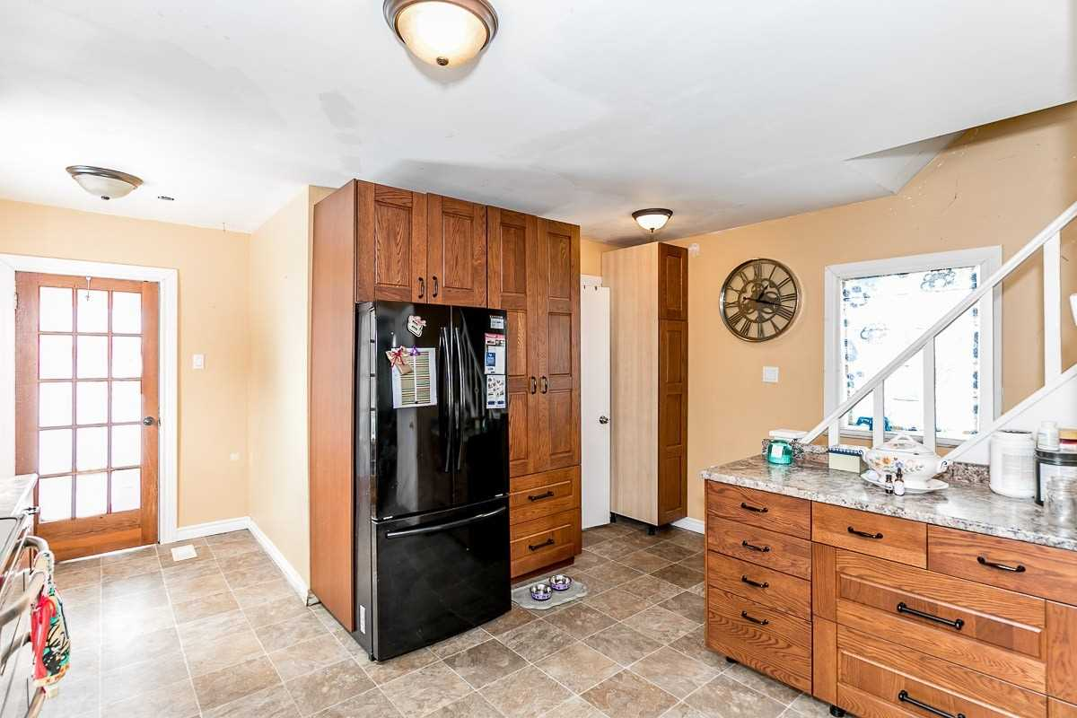 Image 13 of 14 showing inside of 3 Bedroom Detached 1 1/2 Storey house for sale at 9094 Hwy #6 Rd, Wellington North N0G2E0