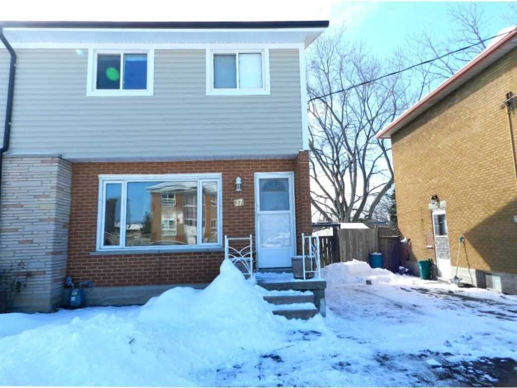 pictures of house for sale MLS: X4687987 located at 37 Falesy Ave, Kitchener N2A1N7