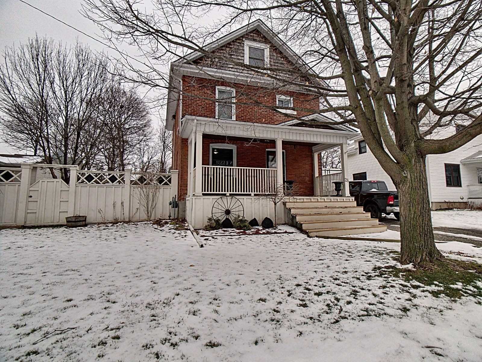 pictures of house for sale MLS: X4689710 located at 28 Ottawa St N, Haldimand N0A1E0