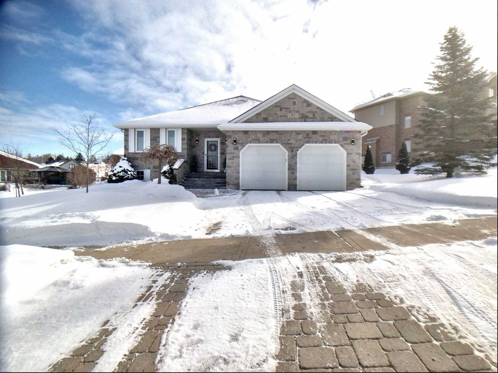 pictures of house for sale MLS: X4692906 located at 95 River Run Rd, Mapleton N0G1P0
