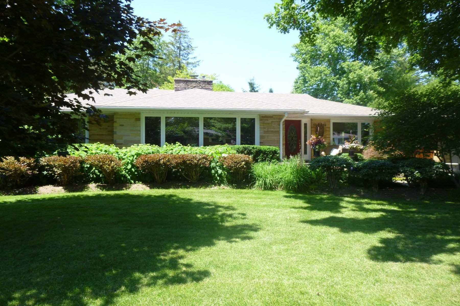 pictures of house for sale MLS: X4693069 located at 23 Belholme Ave, Brant N3T1R9