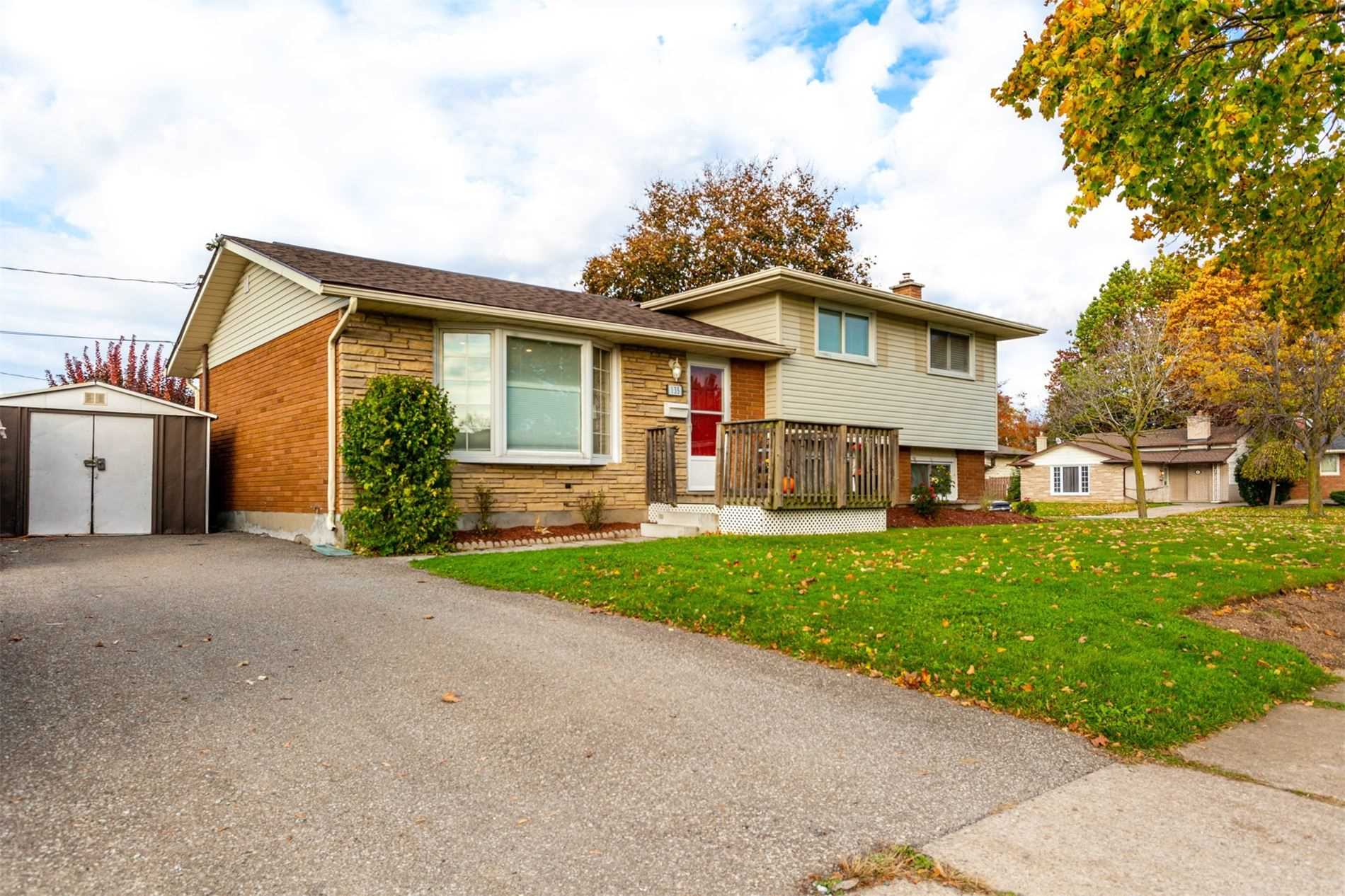 pictures of house for sale MLS: X4693594 located at 135 Pinehurst Dr, Welland L3C3J3
