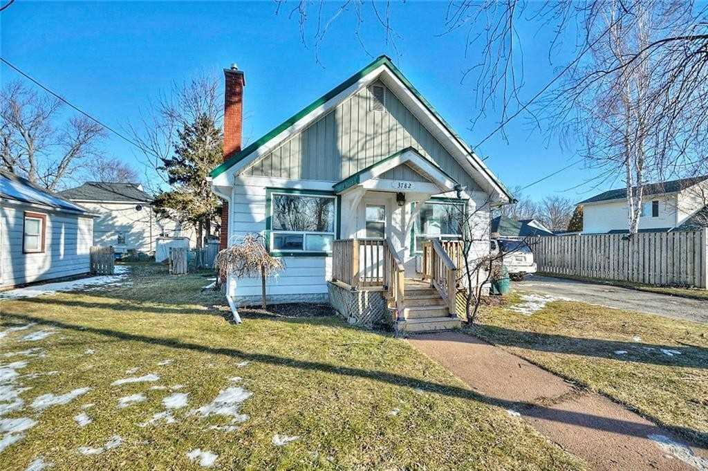 pictures of house for sale MLS: X4697769 located at 3782 Roxborough Ave, Fort Erie L0S1B0