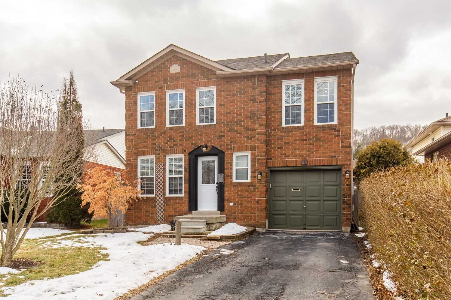 pictures of house for sale MLS: X4697803 located at 27 Pleasant Grove Terr, Grimsby L3M5G8