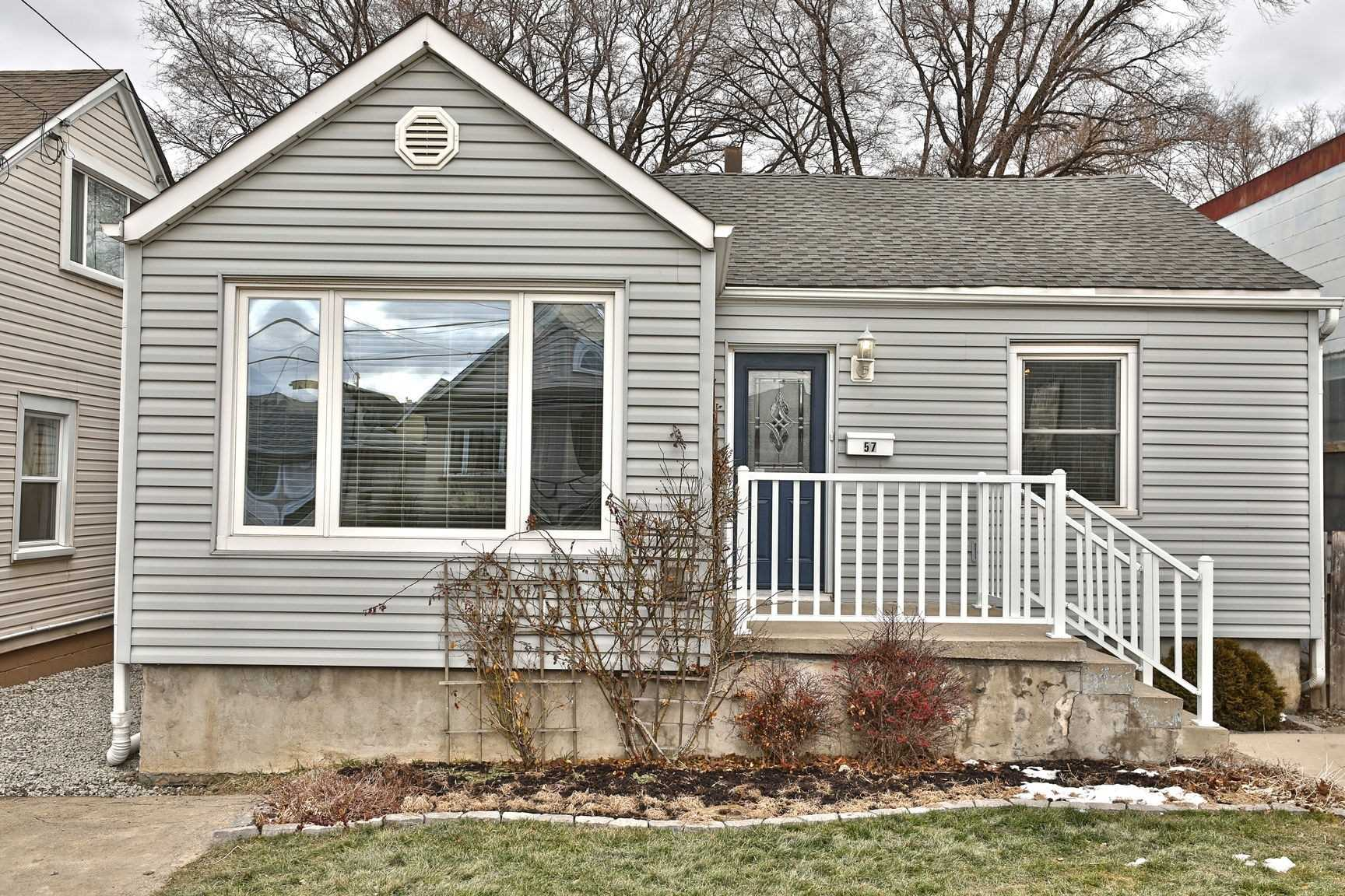 pictures of house for sale MLS: X4698228 located at 57 Dalhousie Ave, Hamilton L8L3J4