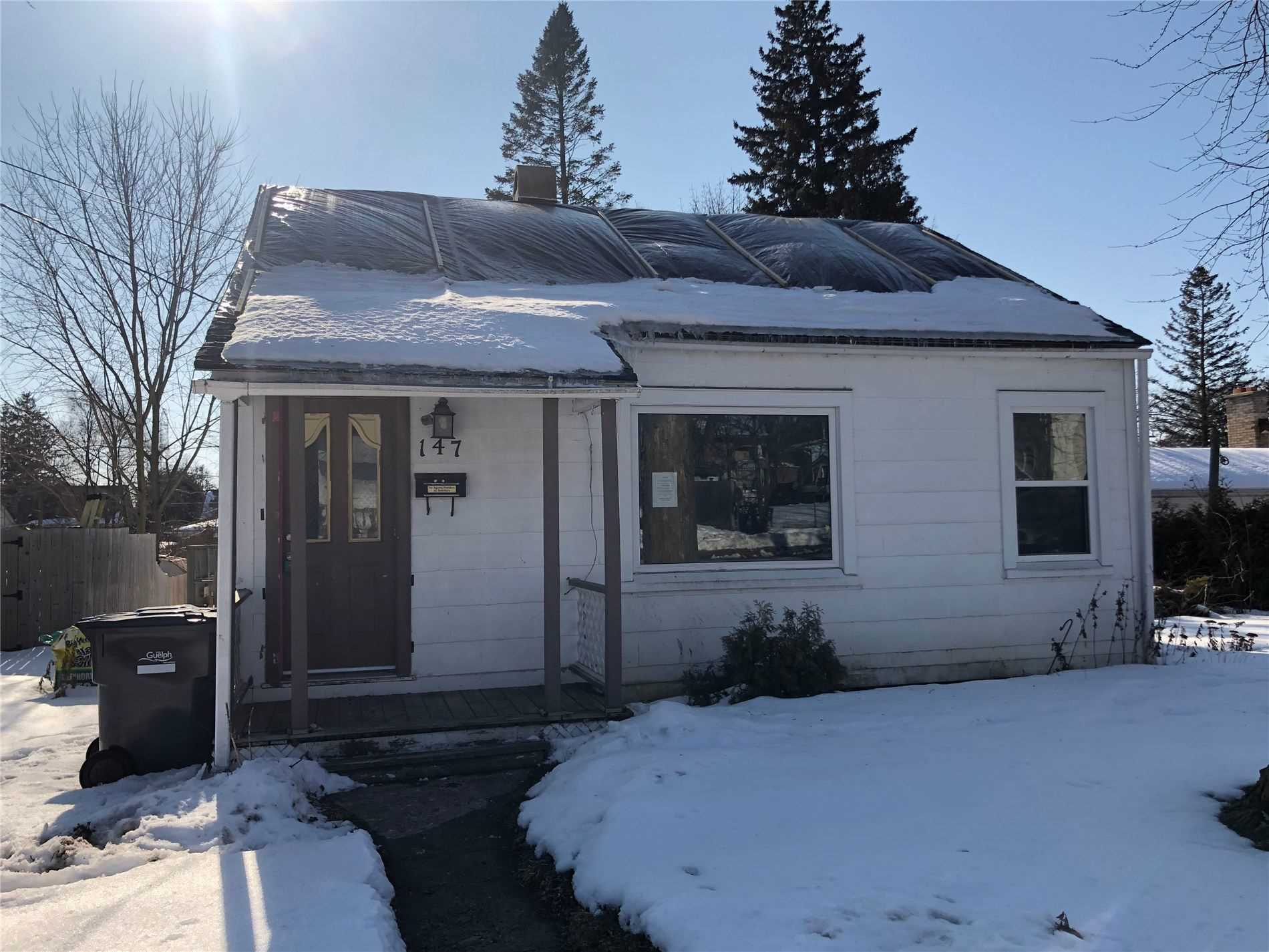 pictures of house for sale MLS: X4699667 located at 147 Memorial Cres, Guelph N1H6C2