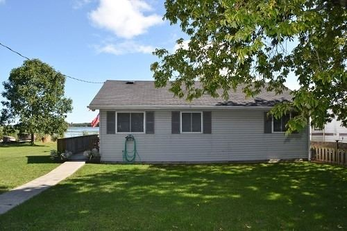 pictures of house for sale MLS: X4700385 located at 1410 County Road 10, Prince Edward County K0K1P0