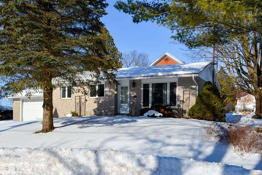 pictures of house for sale MLS: X4700425 located at 21 Peter St, Grey Highlands N0C1E0