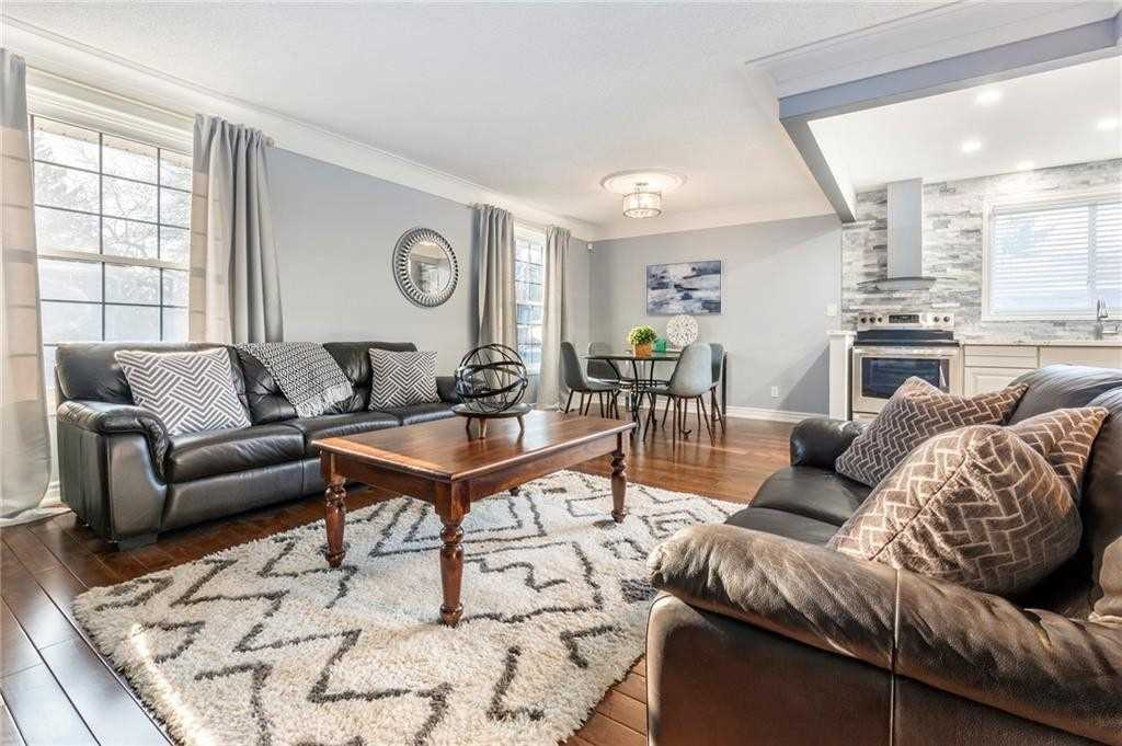 Image 16 of 16 showing inside of 2 Bedroom Detached Bungalow-Raised house for sale at 47 Spruceside Cres, Pelham L0S1E1