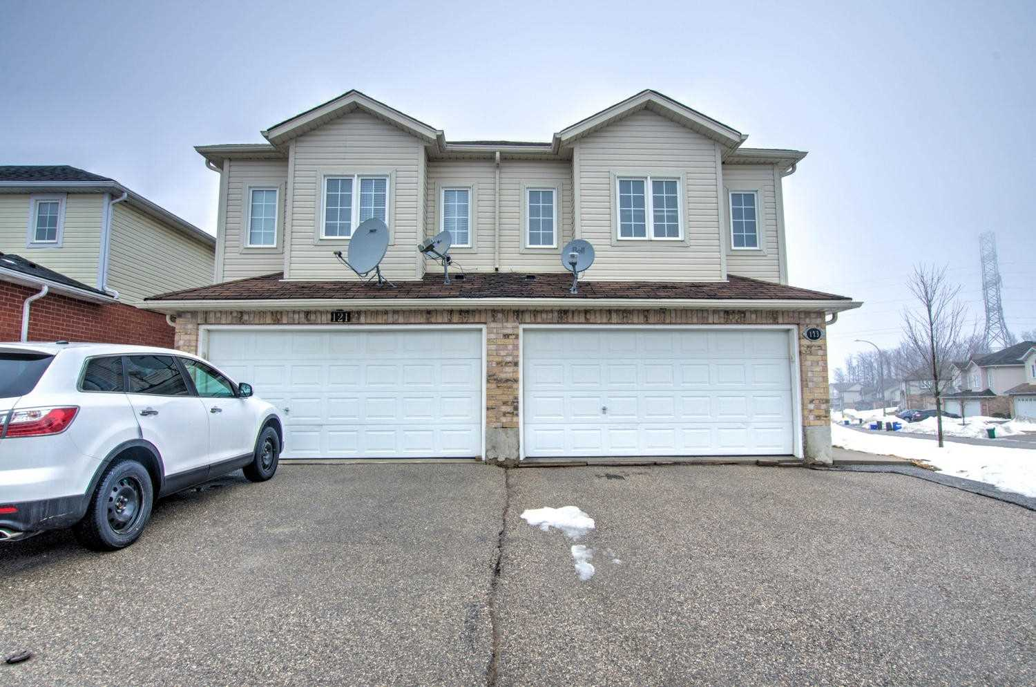 pictures of house for sale MLS: X4706031 located at 123 Snowdrop Cres, Kitchener N2E4G7