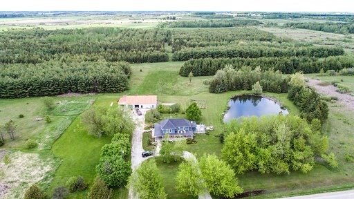 pictures of house for sale MLS: X4707308 located at 385039 20 Sideroad Sdrd, Amaranth L9W3Z4
