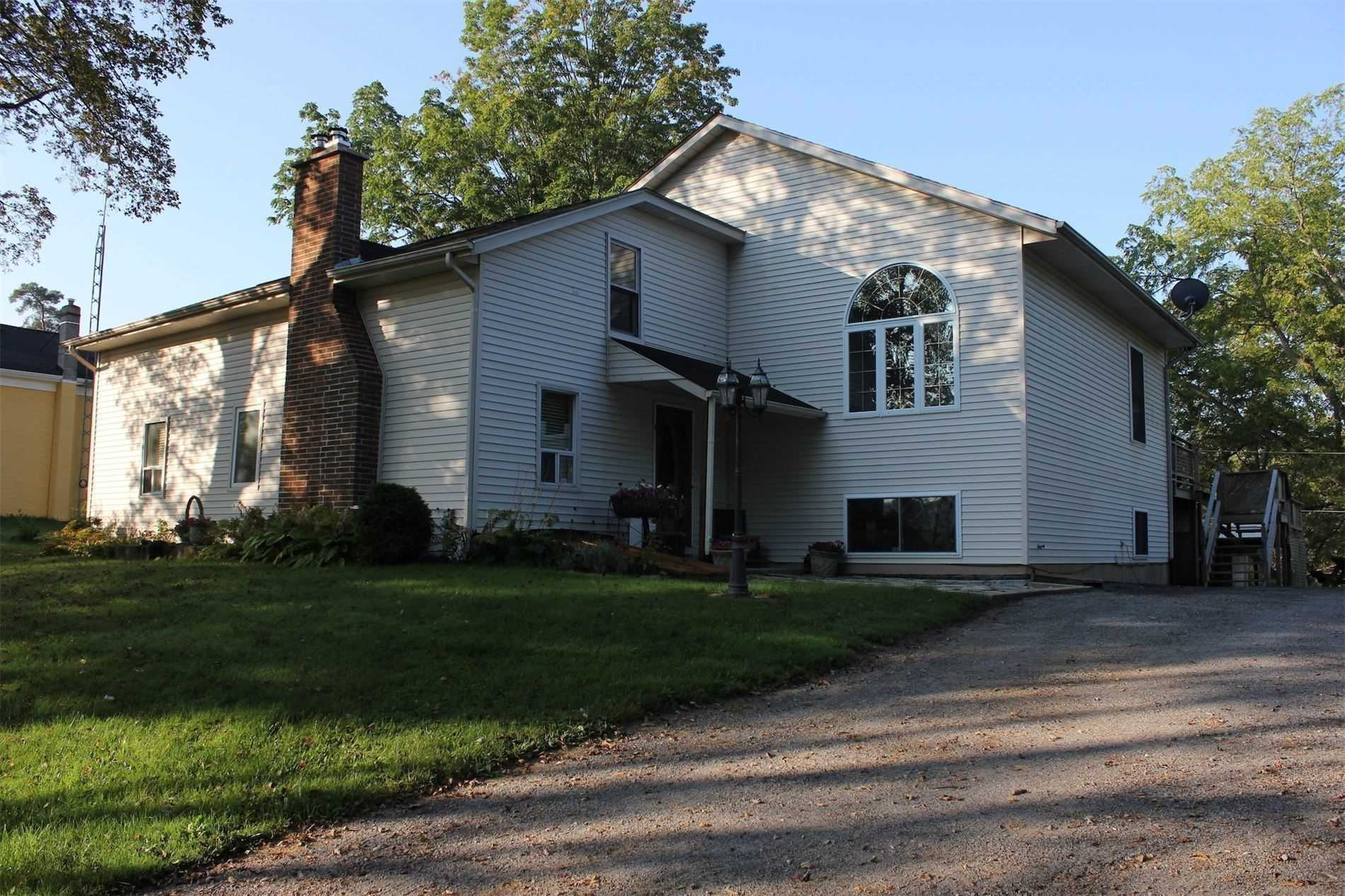 pictures of house for sale MLS: X4708517 located at 52 Roland Rd, Pelham L0S1M0