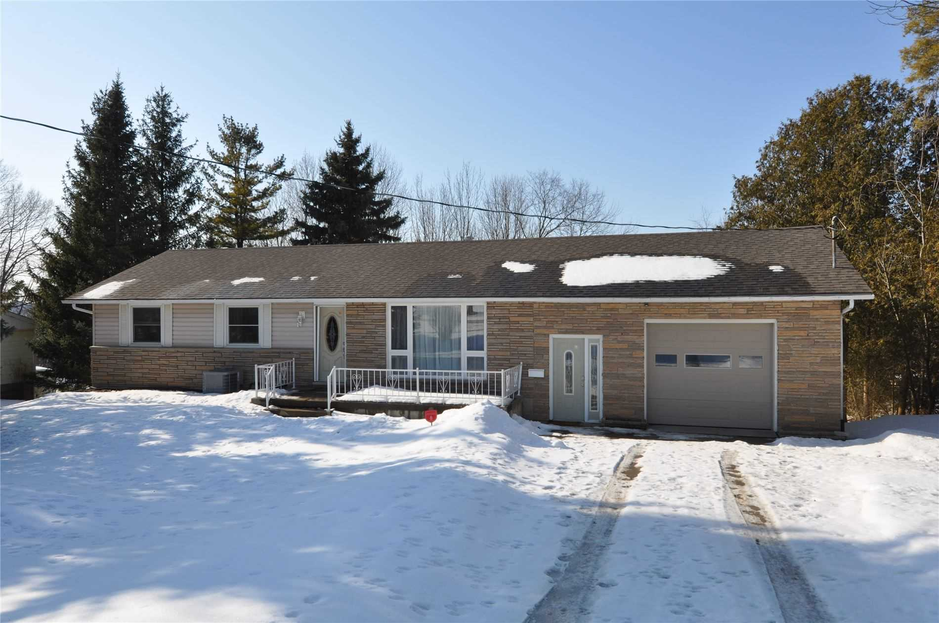 pictures of house for sale MLS: X4710682 located at 112 Clearview Cres, Meaford N4K5N3