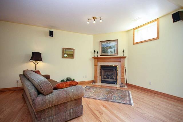 Image 4 of 19 showing inside of 2 Bedroom Detached Bungalow house for sale at 130 Weston Dr, Tillsonburg N4G5X1