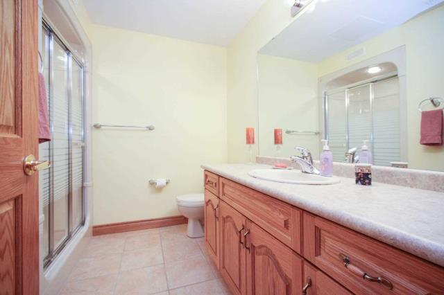 Image 7 of 19 showing inside of 2 Bedroom Detached Bungalow house for sale at 130 Weston Dr, Tillsonburg N4G5X1