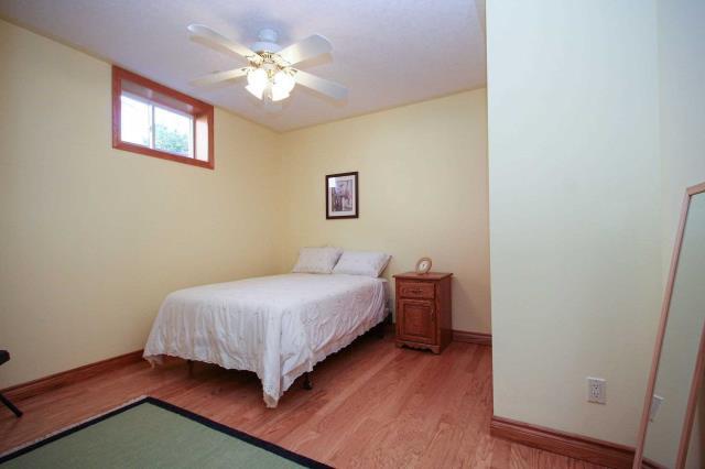 Image 8 of 19 showing inside of 2 Bedroom Detached Bungalow house for sale at 130 Weston Dr, Tillsonburg N4G5X1