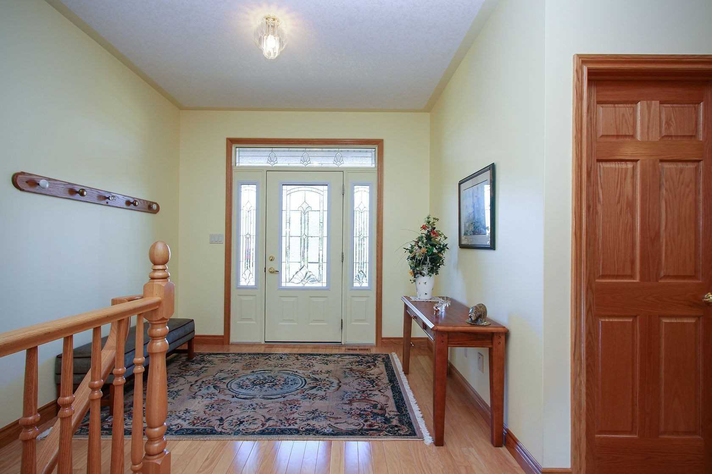 Image 12 of 19 showing inside of 2 Bedroom Detached Bungalow house for sale at 130 Weston Dr, Tillsonburg N4G5X1
