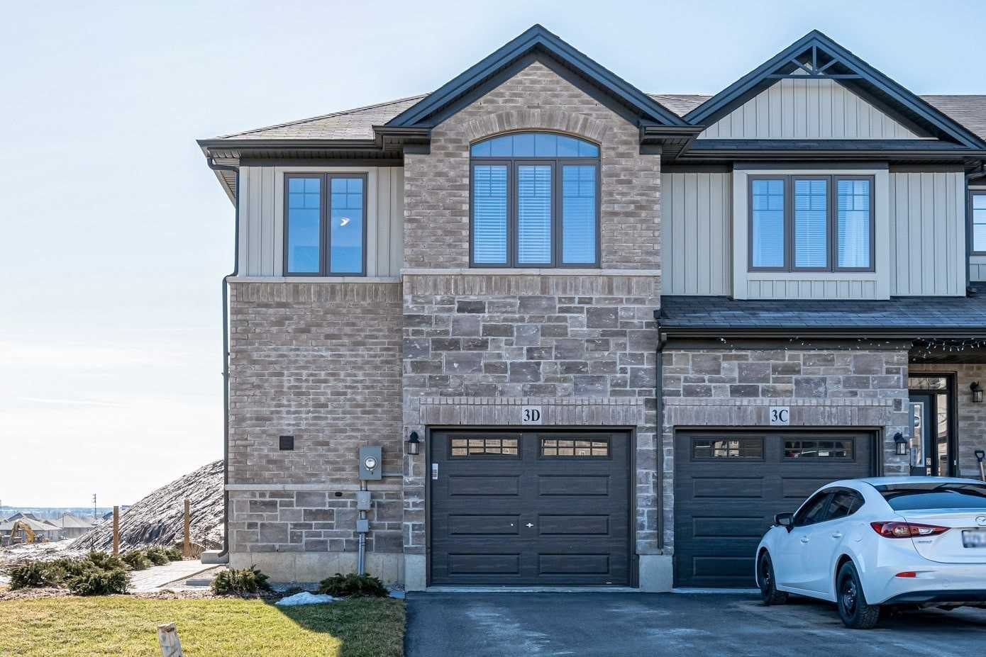 pictures of house for sale MLS: X4712735 located at 3D Vic Chambers Pl, Brant N3L0E7