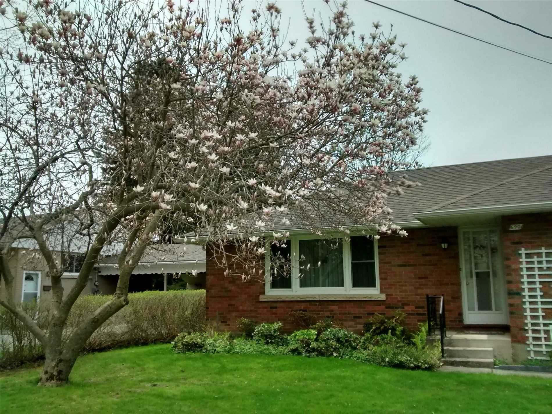 pictures of house for sale MLS: X4715814 located at 1967 9th Ave E, Owen Sound N4K6B9