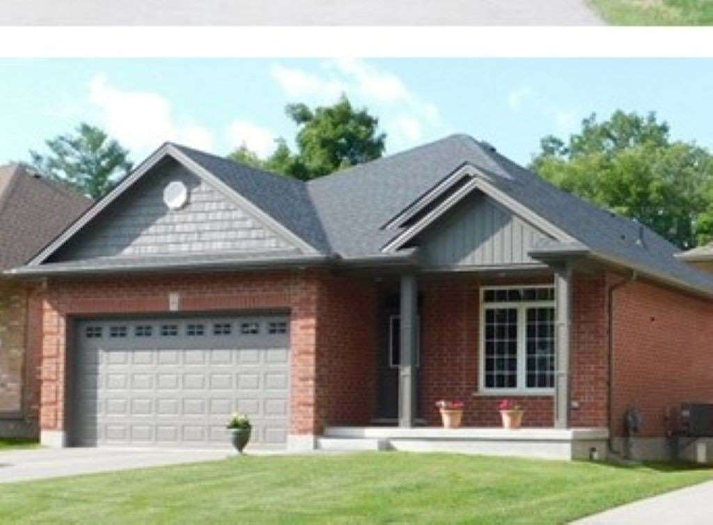 pictures of house for sale MLS: X4716750 located at 44 Vineden Dr, Central Elgin N5P2M6
