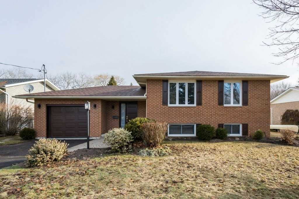 pictures of house for sale MLS: X4723682 located at 7 Morrow Ave, Brighton K0K1H0