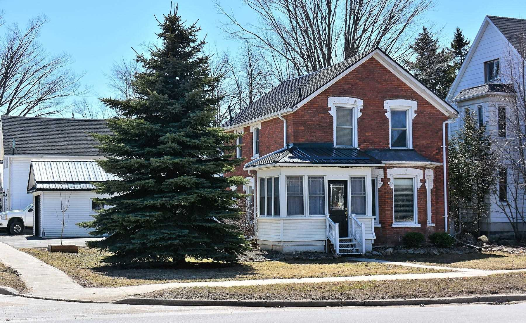 pictures of house for sale MLS: X4724450 located at 251 Main St E, Shelburne L9V3K4