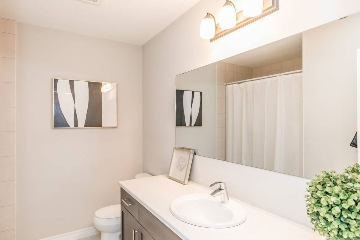 Image 10 of 20 showing inside of 3 Bedroom Condo Townhouse 2-Storey for Sale at 19 Lawson St Unit# 13, East Luther Grand Valley L9W7P1