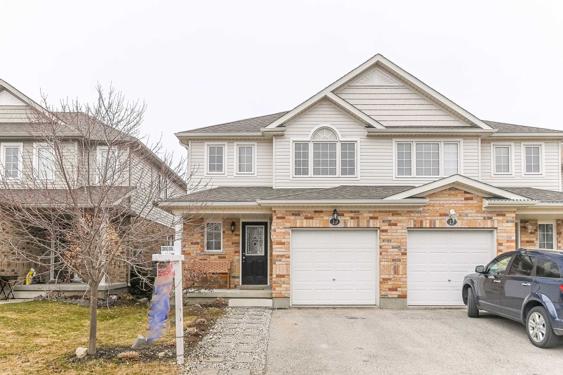 pictures of house for sale MLS: X4726512 located at 19 Vipond St, Guelph N1E0G9