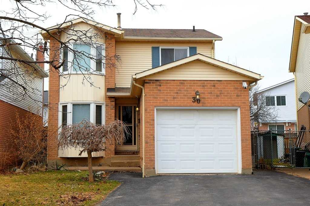 pictures of house for sale MLS: X4726933 located at 30 Naples  Crt, Thorold L2V4S7