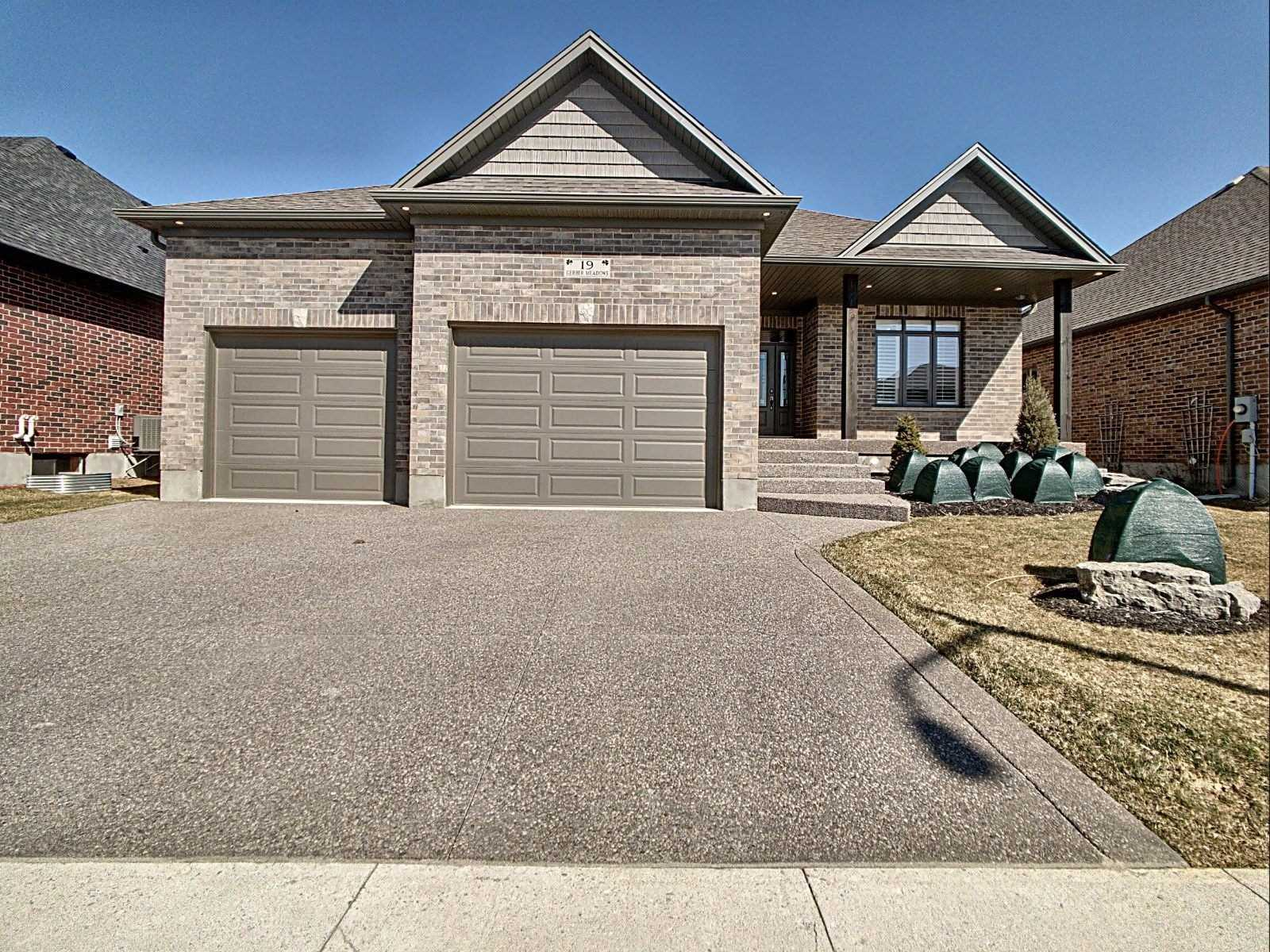 pictures of house for sale MLS: X4728961 located at 19 Gerber Meadows Dr, Wellesley N0B2T0