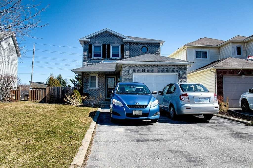 pictures of house for sale MLS: X4729564 located at 11 Sanders Dr, Port Hope L1A4E8