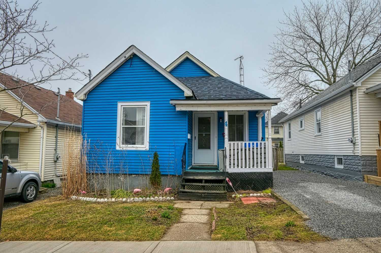 pictures of house for sale MLS: X4730185 located at 4 Berryman Ave, St. Catharines L2R3W9