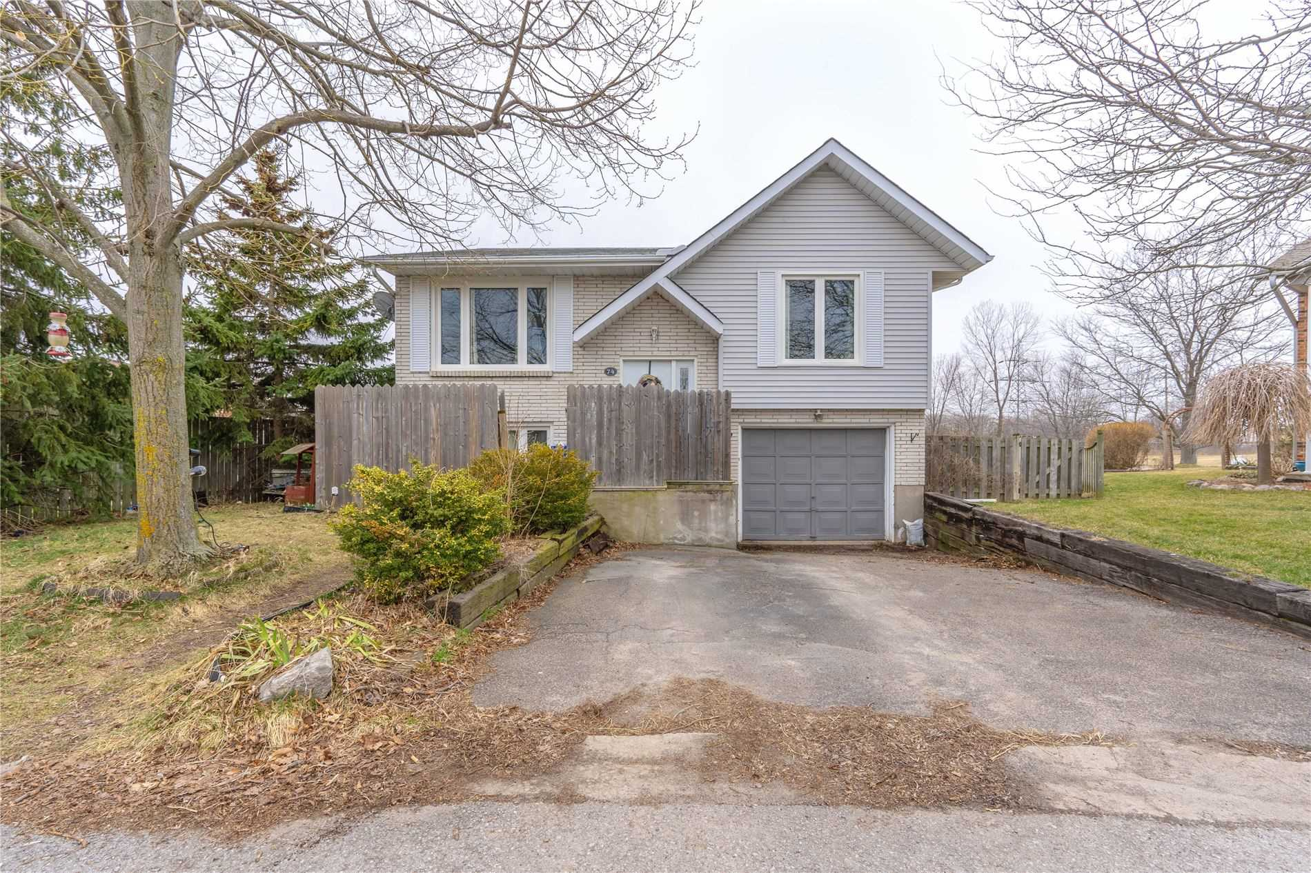 pictures of house for sale MLS: X4730364 located at 74 Swayze Crt, Thorold L2V4Y9