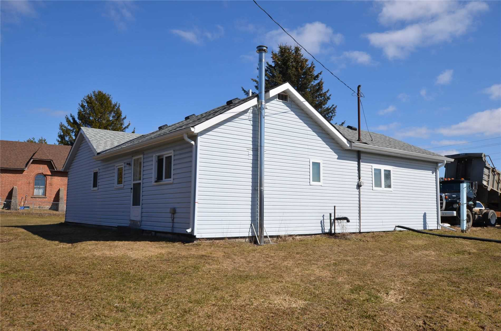pictures of house for sale MLS: X4730653 located at 507383 Highway 89 Rd, Mono L9V3J7